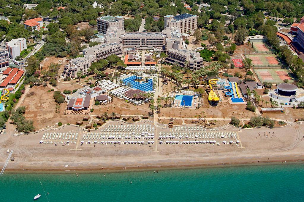 Crystal Tat Beach Golf Resort Hotel