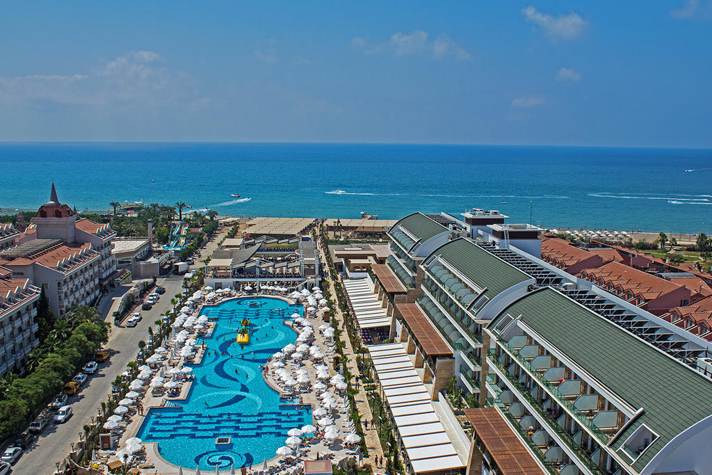 Crystal Waterworld Resort & SPA Hotel