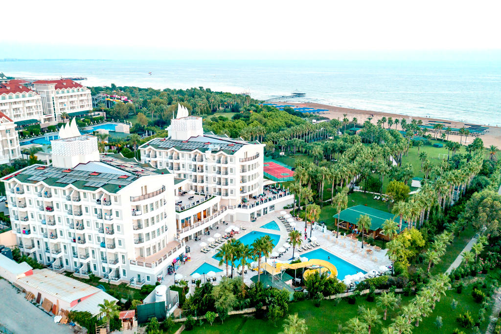 Royal Atlantis Beach Hotel
