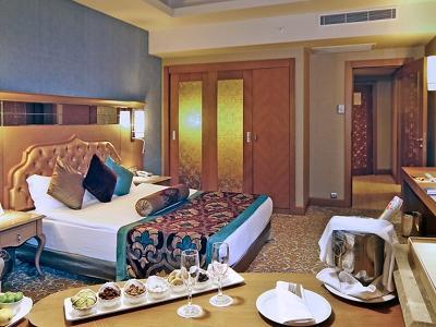 Aile Odası İki Yatak Odalı (Deniz Manzara) 2 Gece