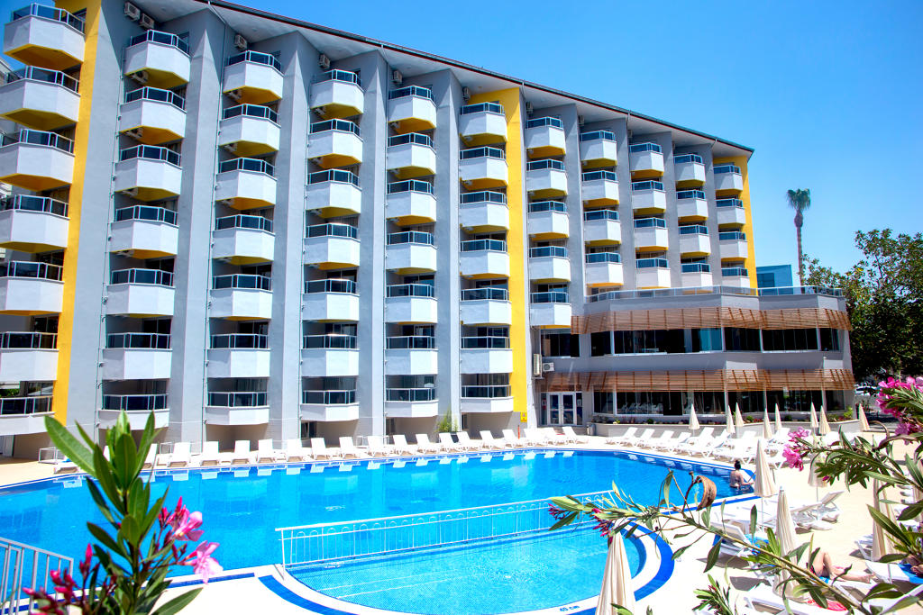 Simply Fine Hotel +16